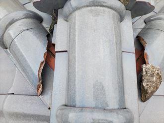 棟の継目の隙間から雨漏りが浸入する危険性があります