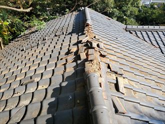 台風による棟瓦の被害