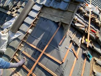瓦屋根葺き直し工事