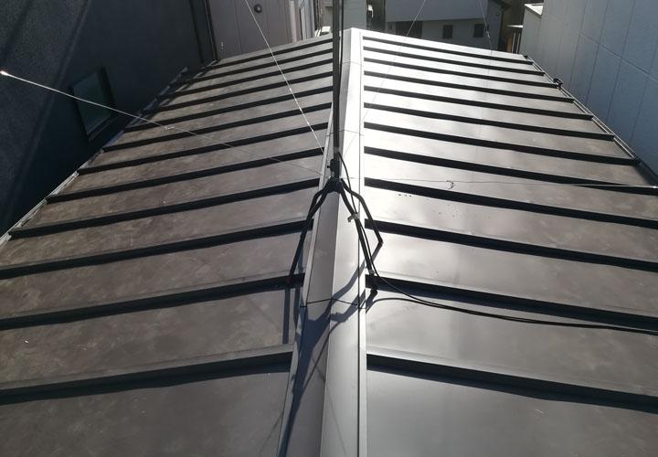 緩勾配屋根 金属屋根