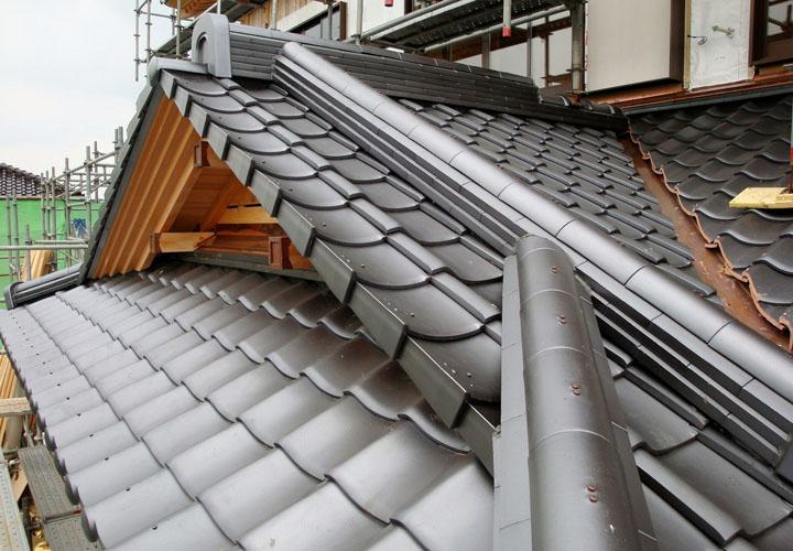 瓦屋根の各部位の名称と役割をご説明します