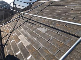 5.5寸以上の急勾配屋根では屋根足場の設置が義務付けられています