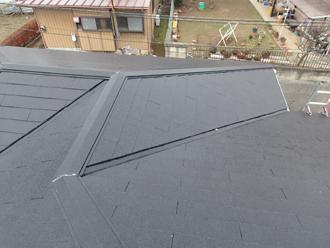 雨漏りが発生したアパートの屋根