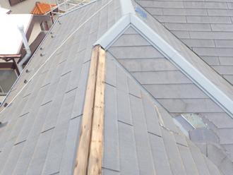 台風により被災したコロニアル屋根