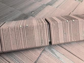 棟瓦の隙間