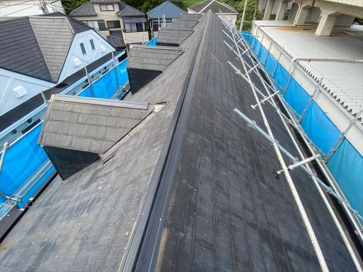 棟板金交換工事で下地材に樹脂製貫板を使用