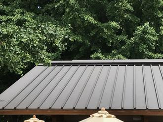 縦葺き屋根