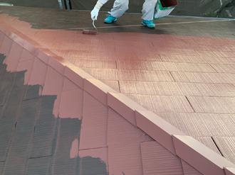 12.屋根塗装中塗り工程