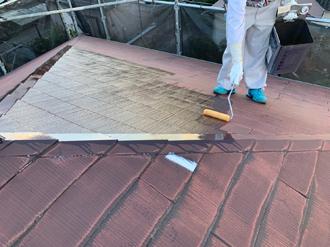 8屋根塗装の下塗り工程