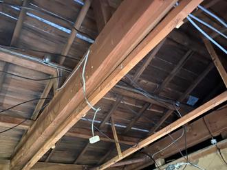 室内天井の張替え様子