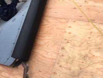 野地板の上に防水紙