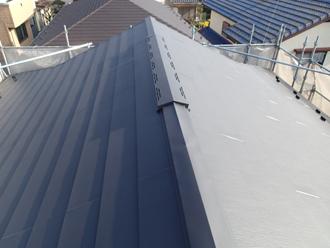 棟を納めて屋根葺き替え工事が完了