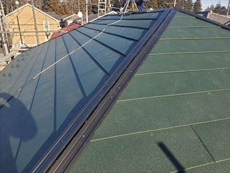 棟板金の下地材に樹脂製貫板を使用