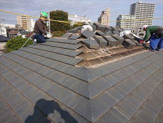屋根が取られて下地が見えてきました