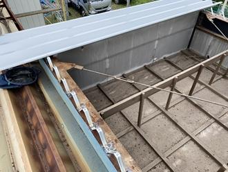 新規折半屋根葺き