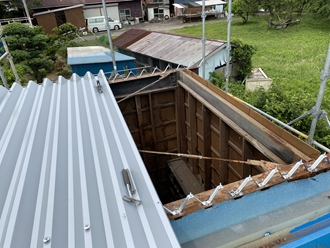 折半屋根葺き工程