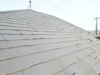 築16年になる邸宅のパミール屋根には不具合が生じていました
