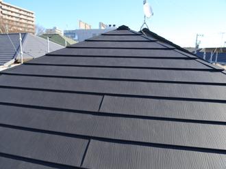 スーパーガルテクトフッ素のSFブラックで葺き替えた屋根