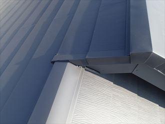 棟を納めて屋根葺き替え工事が完了しました