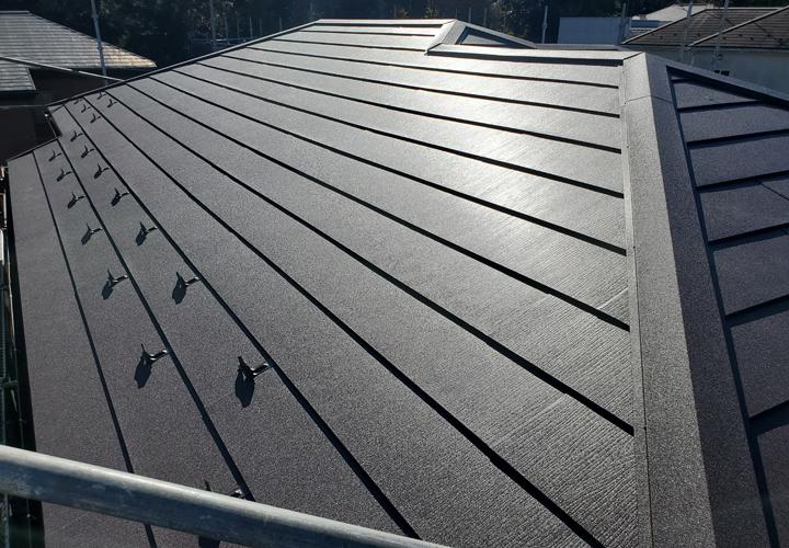スーパーガルテクトを使用した葺き替え工事が完了