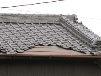 剥がれた屋根