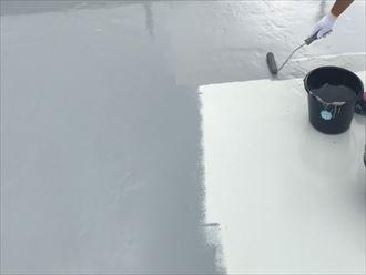 ウレタン塗膜防水通気緩衝工法にてトップコートで仕上げます