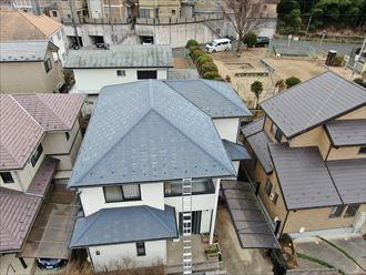 屋根玄関側
