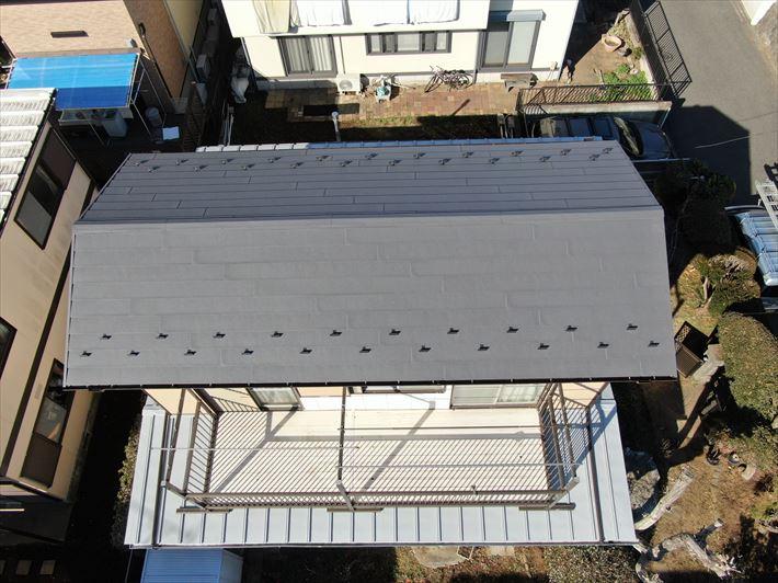 スーパーガルテクトを使用した屋根葺き替え工事完了