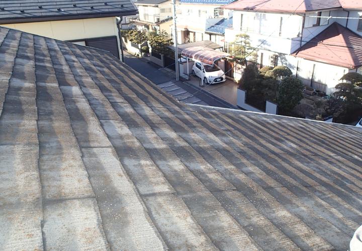 雨漏りが発生したスレート屋根の調査