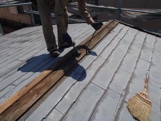 屋根カバー工事 棟板金を解体