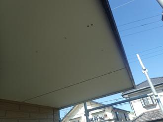 軒天にケイカル板を貼り塗装する
