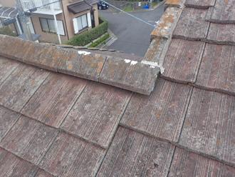 廃盤の屋根材は破損してしまうと入手するのが難しい為、補修不可能です
