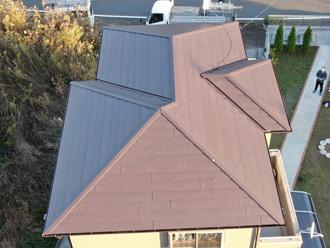スーパーガルテクトでカバー工事を行った屋根
