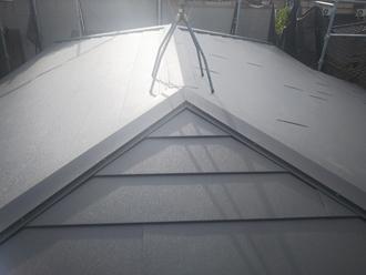 アスベスト含有のスレートからスーパーガルテクトの屋根に葺き替えました
