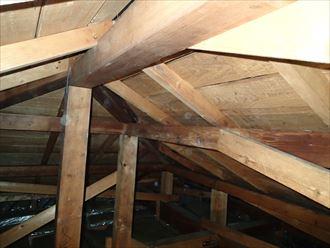 屋根裏からの雨漏り