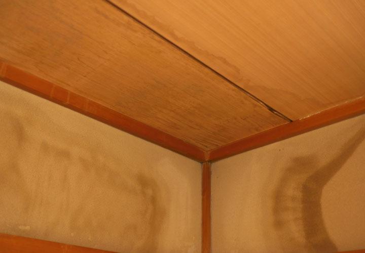 雨漏りの仕組み(原因と修理方法)を屋根の専門家がご紹介!