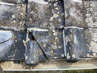 屋根材の割れ