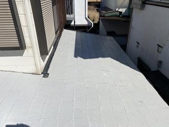 下屋根スレート屋根