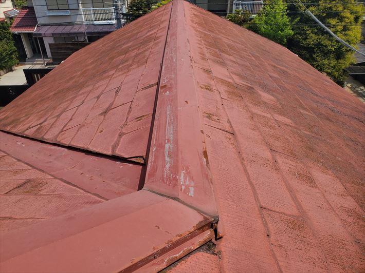 棟板金の錆は雨漏りに繋がります