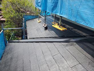 屋根塗装工事にて下屋根の塗装完了