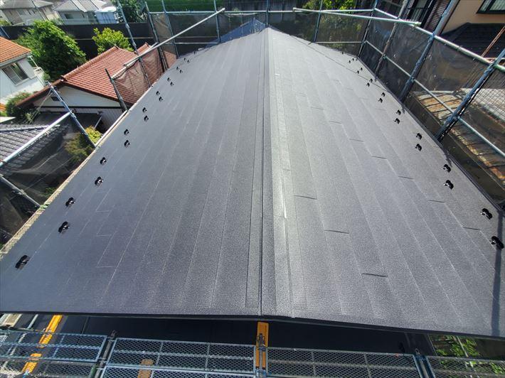 千葉市中央区にてスーパーガルテクトを使用した屋根カバー工事が完了