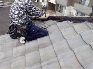 棟取り直し工事にてのし瓦を積んでいきます
