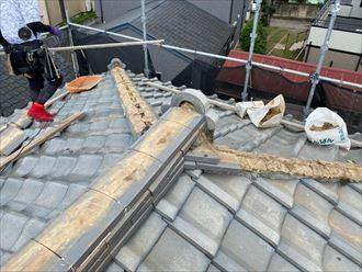 棟取り直し工事にて既存の棟を解体