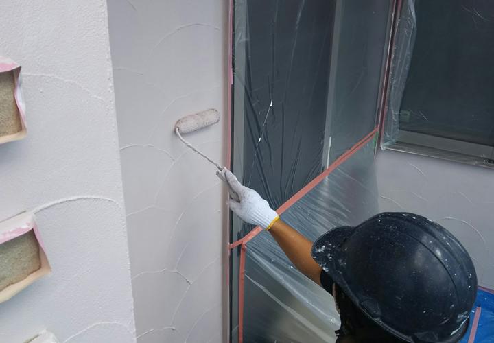 屋根外壁塗装をご検討している方は必見!塗料の臭いの原因とその対策方法をご紹介します