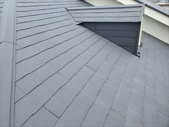 築28年が経過したスレート屋根の調査にて防水性の低下を発見