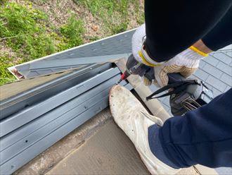 腐食しない樹脂製の貫板を使用