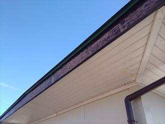 破風板の塗膜劣化