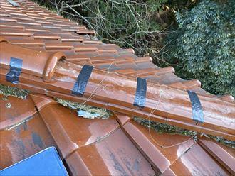 棟瓦の崩壊と防水テープでの養生