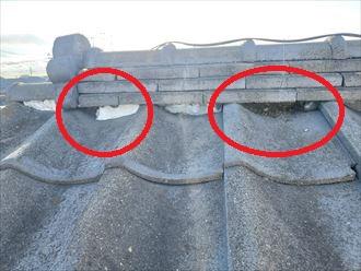 経年の劣化により棟の漆喰が剥がれてしまいました
