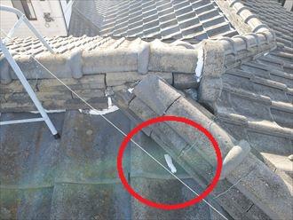 瓦屋根の漆喰の剥がれ